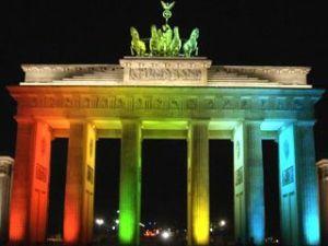 Portão de Brandemburgo, em Merlim, em homenagem à comunidade LGBT